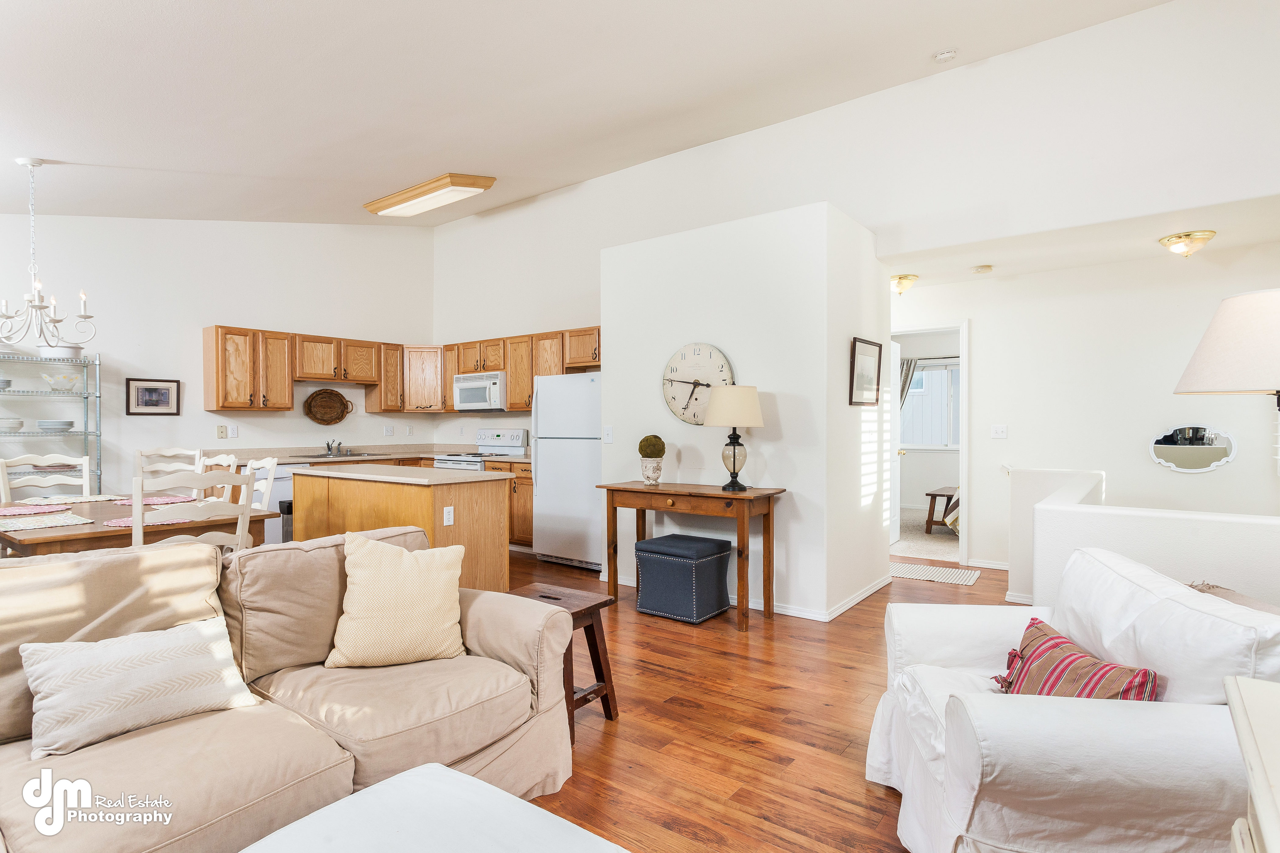 Beautifully Maintained Midtown Condo